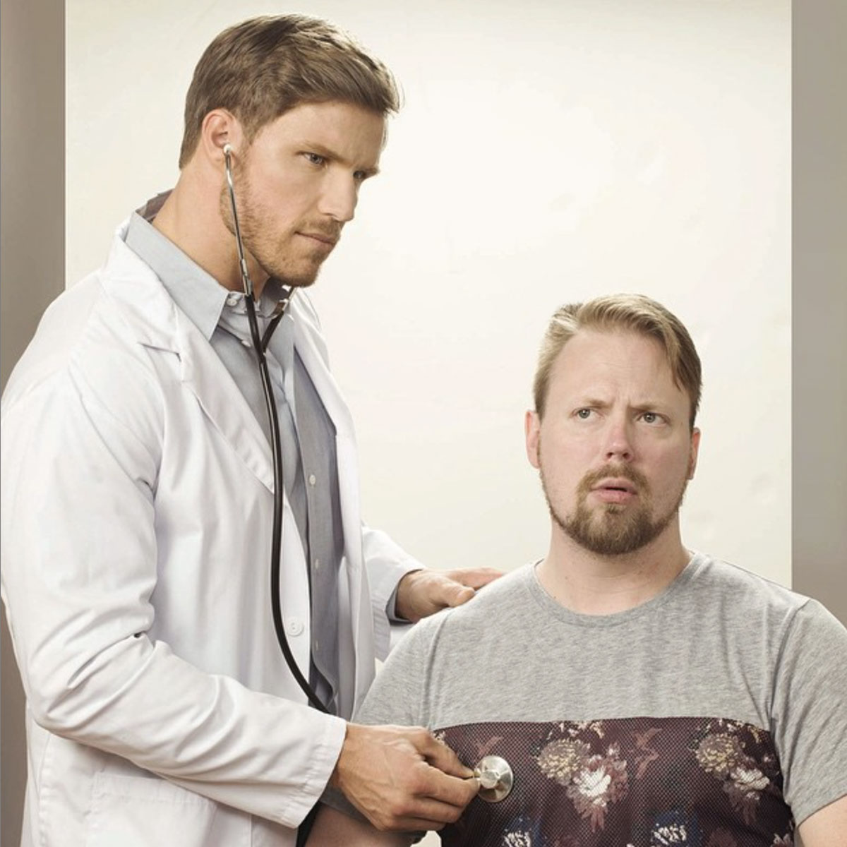 A quick check-up with doctor Bewls before his shoot